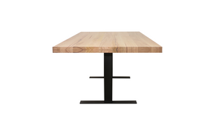Que Table 5 - with T-Iron Base