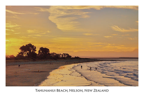 011 - Post Art Postcard - Tahunanui Beach