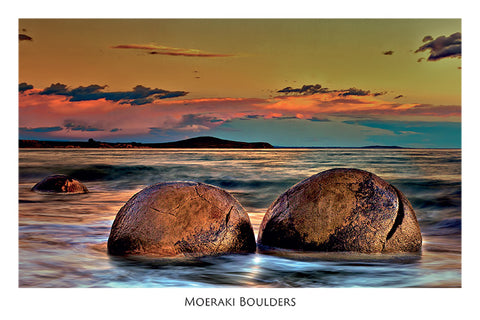 276 - Post Art Postcard - Moeraki Boulders