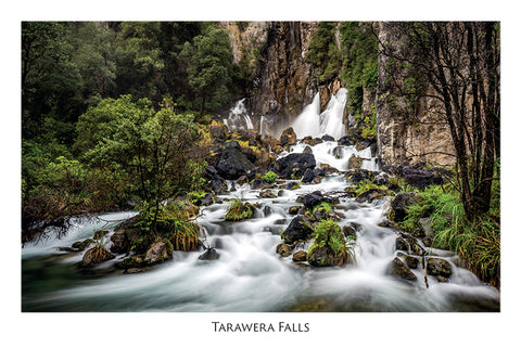 526 - Post Art Postcard - Tarawera Falls