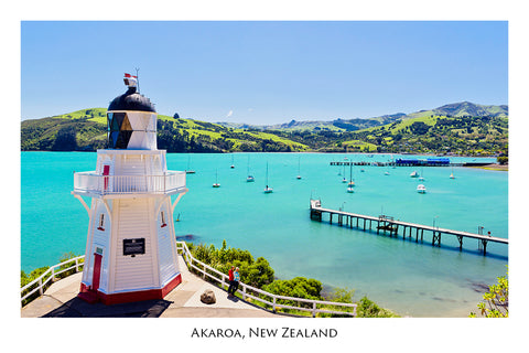 604 - Postcard - Akaroa Lighthouse