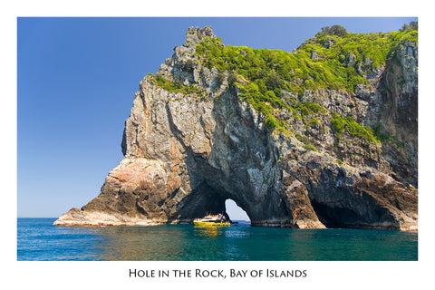 613 - Post Art Postcard - Hole in the Rock