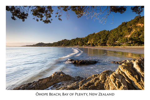 633 - Post Art Postcard - Ohope Beach