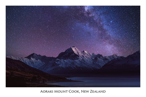 645 - Post Art Postcard - Mount Cook Milky Way