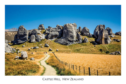 660 - Post Art Postcard - Castle Hill