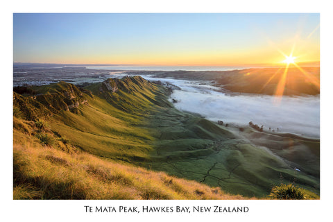 675 - Post Art Postcard - Te Mata Peak