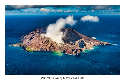 676 - Post Art Postcard - White Island