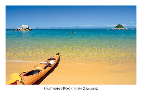 680 - Post Art Postcard - Split Apple Rock - Kayaks