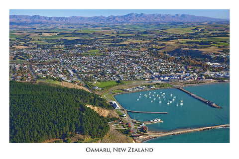 724 - Post Art Postcard - Oamaru Aerial