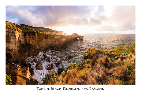 730 - Post Art Postcard - Tunnel Beach