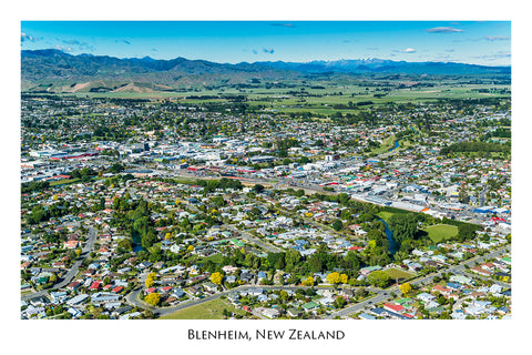 747 - Post Art Postcard - Blenheim Aerial