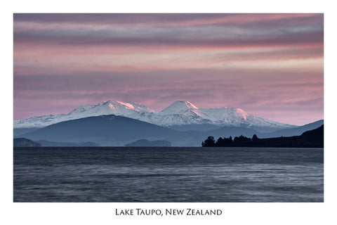 753 - Post Art Postcard - Lake Taupo