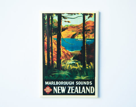 FM0035 - Post Art Magnet - Marlborough Vintage