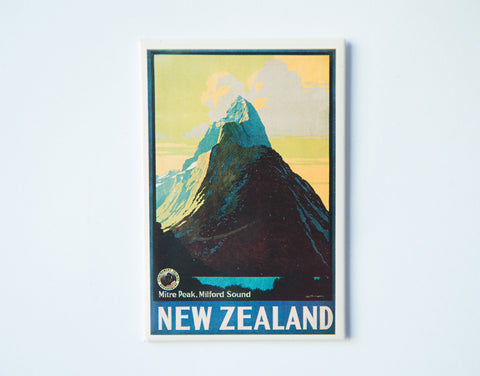 FM0037 - Post Art Magnet - Milford Sound Vintage