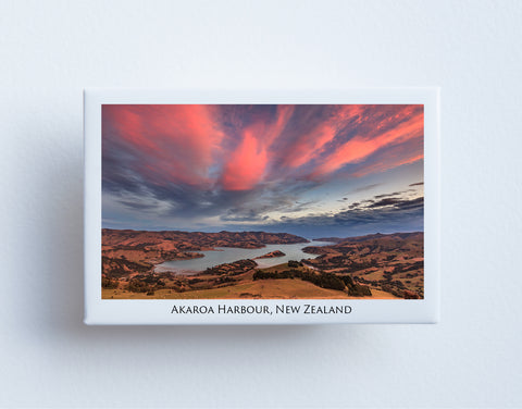 FM0041 - Post Art Magnet - Akaroa Harbour
