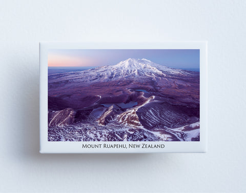 FM0052 - Post Art Magnet - Mount Ruapehu