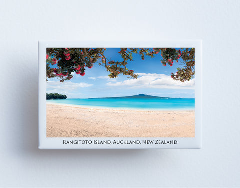 FM0079 - Post Art Magnet - Rangitoto Island