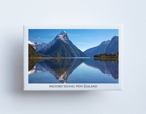 FM0101 - Post Art Magnet - Milford Sound