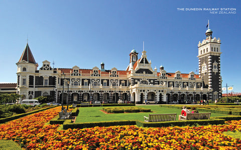 PCL1016 - Sisson Postcard - Dunedin Railway Station