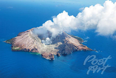 N29 - Post Art Postcard - White Island