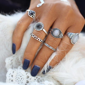 Black and white stone vintage midi ring set