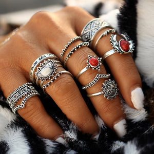 Stylish vintage red stone midi rings