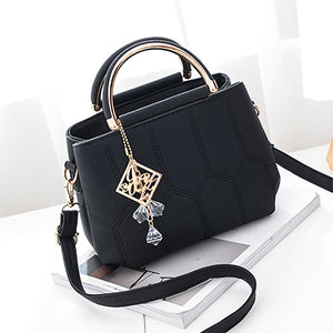 Luxury tote shoulder bags with keychain