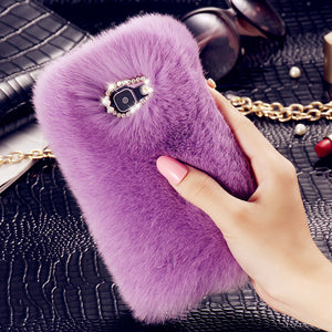 Trendy faux fur iPhone & Galaxy cases