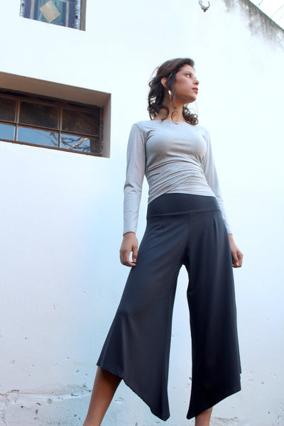 Triangular trousers