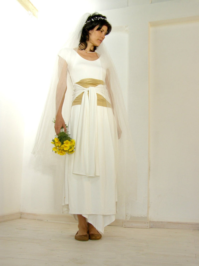 Wedding Dress - Simplicity and Sophistication in One