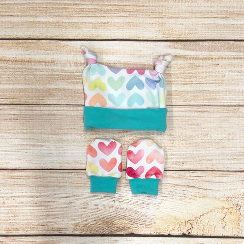 Watercolour Hearts Newborn Double Knot Hat & Mitten Set