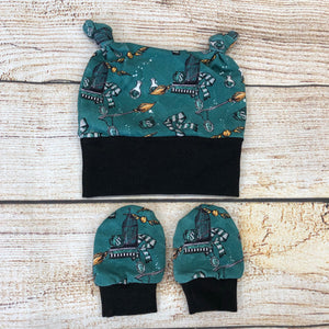 Wizard Newborn Double Knot Hat & Mitten Set