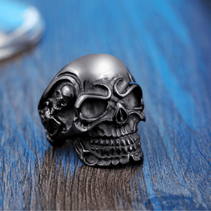 Triple Skull Ring ring The Mighty Skull ™ 7 black color