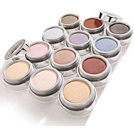 La Bella Donna: Compressed Mineral Eyeshadow - Caviar