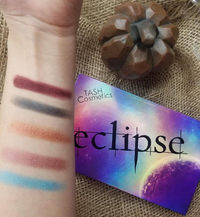 Eclipse - 15 Shade Eyeshadow Palette