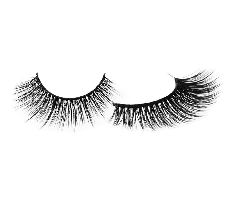 Natural Looking Lashes - #M3d4