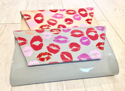 Lips Print Clutch Bag