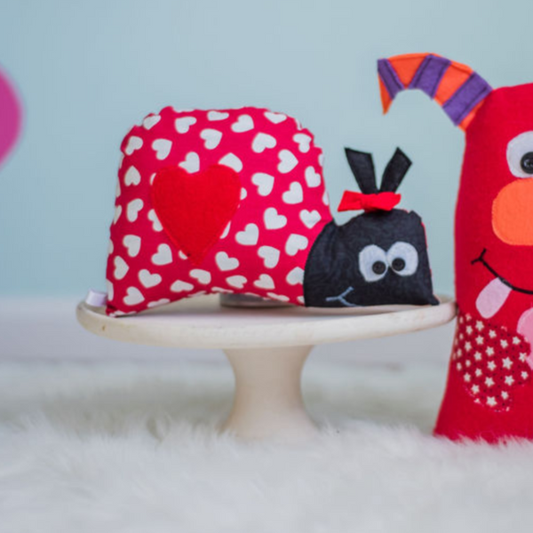 Valentines Day Love Bug Plush Gift for Child-Stuffed Animal-Sir Winslows Zoo