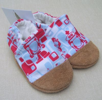 Snow and Arrow Cotton Slippers, Size 18-24 mos