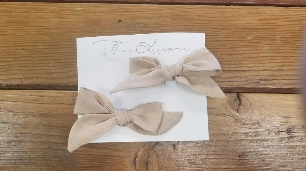 Thea Lenore Bow Set