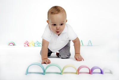 dëna Small Silicone Pastel Rainbow Stacker