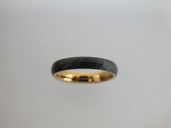4mm Hammered Brushed Black Tungsten Carbide Unisex Band With Yellow Gold* Interior