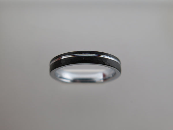 4mm Hammered Brushed Tungsten Carbide Unisex Band with Silver* Stripe & Interior