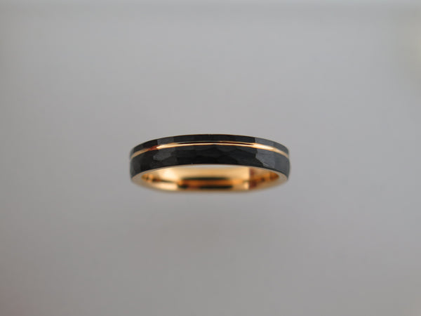4mm Hammered Black Brushed Tungsten Carbide Unisex Band With Yellow Gold* Stripe & Interior
