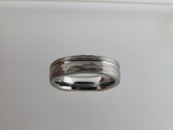 6mm HAMMERED Silver* Tungsten Carbide Unisex Band With Stripe