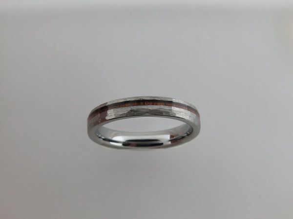 4mm Silver* Hammered Tungsten Carbide Unisex Band with KAO Wood Stripe Inlay
