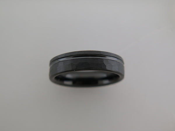 6mm HAMMERED Black* Tungsten Carbide Unisex Band With Stripe