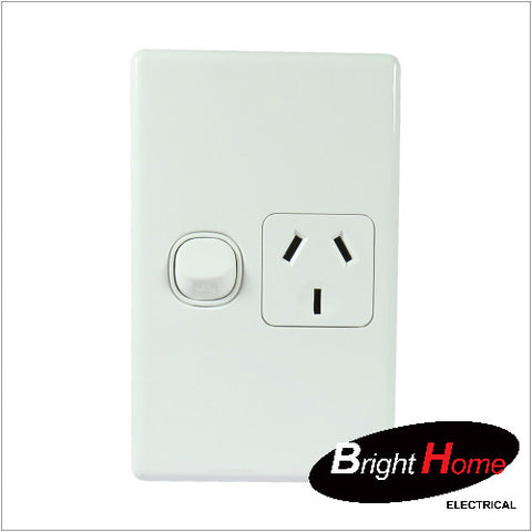 GPO1V-W, Single Vertical Switched Socket Outlet, 10A, 250Vac, White