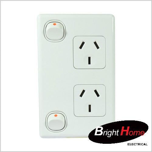 GPO2V-W, Double Vertical Switched Socket Outlet, 10A, 250Vac, White