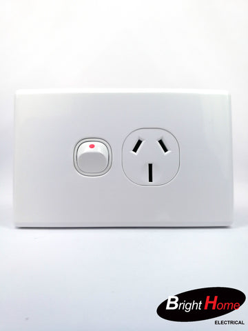 Slim series Single Horizontal Switched Socket Outlet, 10A, 250Vac, White SGPO1H-WW